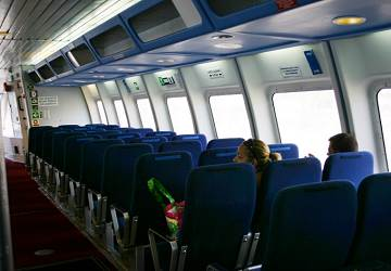 balearia_maverick_seating_area