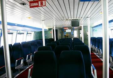 balearia_maverick_seating_area_3